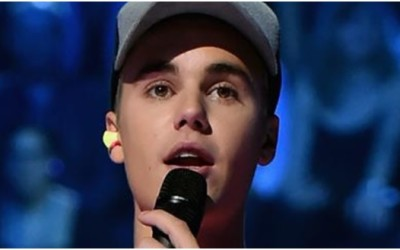 When it's noisy, even Justin Bieber wears earplugs